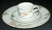 Oneida Savannah New Three Piece Place Setting