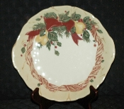 Wedgwood Amway Christmas Wreath Tab Handled Cake Plate