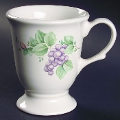 Pfaltzgraff Grapevine Super Sized Pedestal Mugs