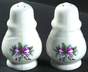 Pfaltzgraff Red Ribbon Salt Pepper Shaker Sets